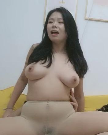 【中華・無碼】超大型巨乳外送茶妹!各種姿勢狂抽猛送把大奶幹的激烈晃動太厲害了!!