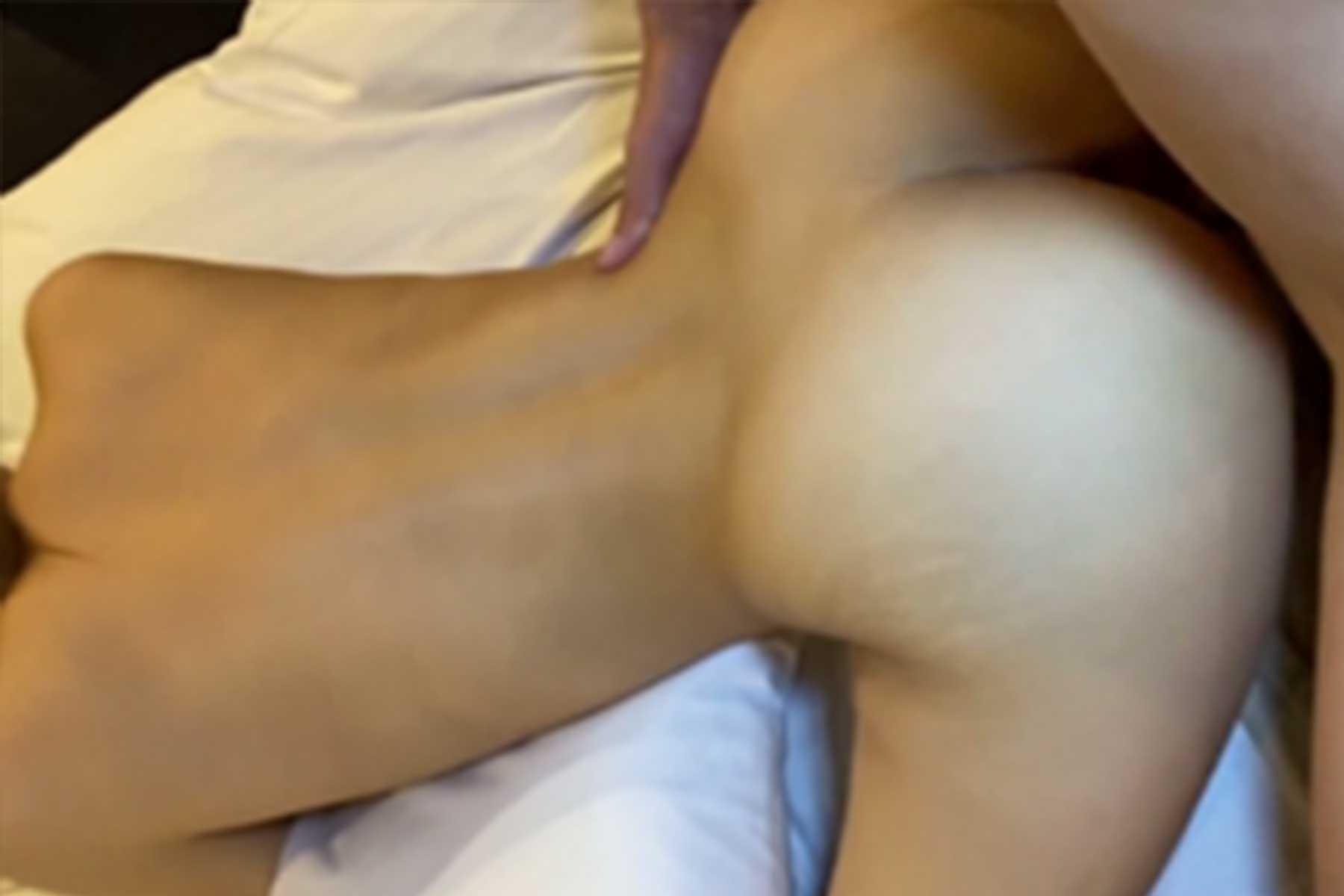 FC2 PPV 1280442 【限定特典付き】ついに美女の美しき膣に肉棒挿入という件名で送られてきました。